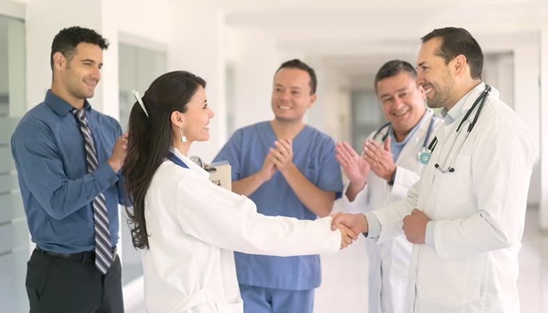 Hoe motiveer je zorgmedewerkers
